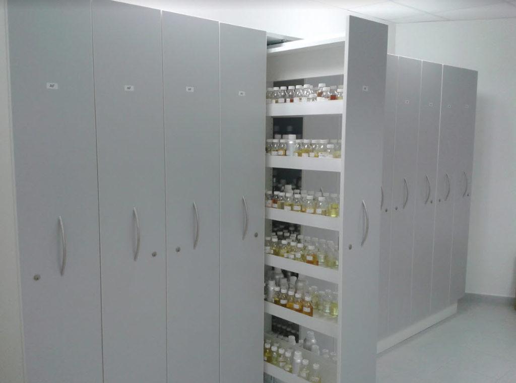 armoire de laboratoire